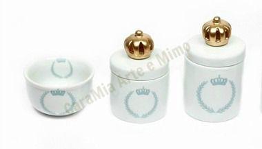 Kit Higiene Bebê Porcelana  Coroa Azul Brasão com Aplique de Coroa Dourada    3 Peças  