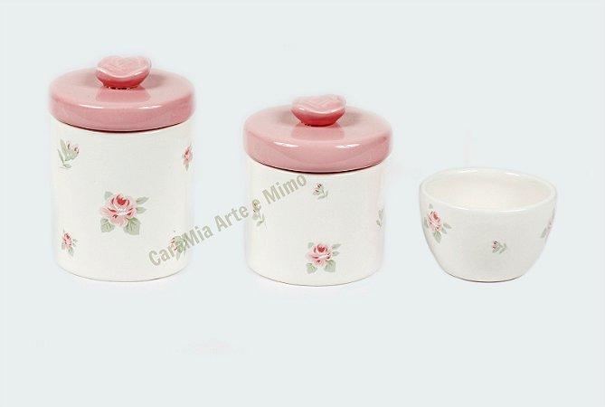 Kit Higiene Bebê Cerâmica Floral com Aplique de Rosas   3 peças