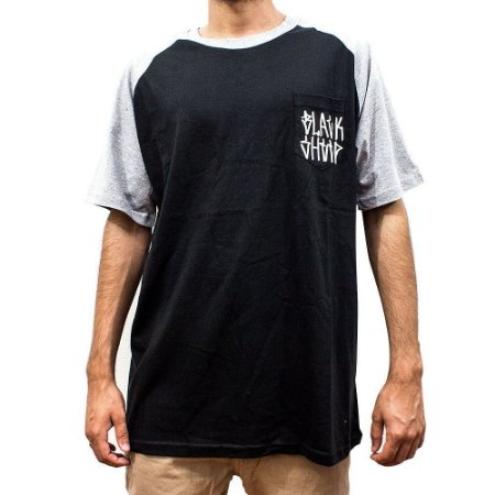 Camiseta Black Sheep Bolso Tag
