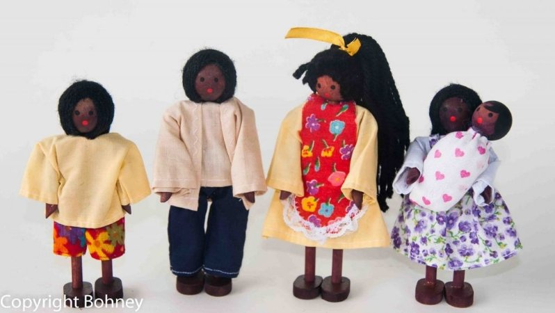Bonecos de madeira (Kit família negra com bebê)