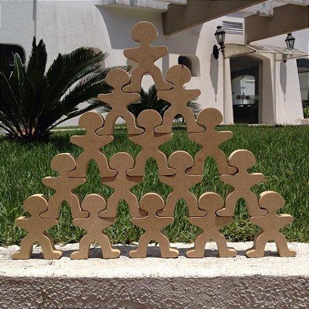 Pirâmide de Bonecos em MDF