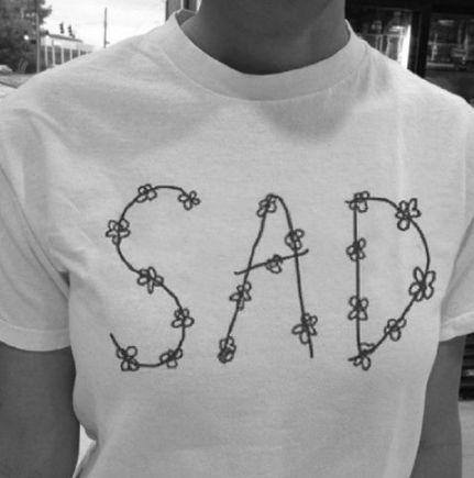Camiseta Feminina - SAD