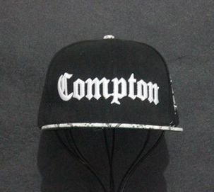 Boné Compton SNAKE - Snapback