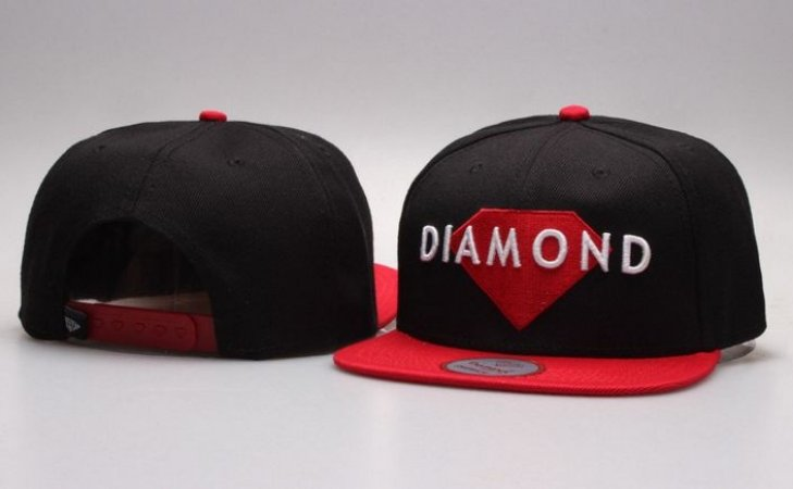 Boné Diamond Supply CO. - Preto & Vermelho