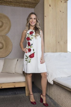 Vestido com aplicações de rosas - Verão 2020