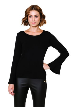 Blusa flare preta com manga longa