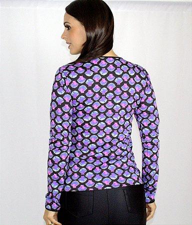 Blusa estampada com conchas rosas com zíper e manga longa