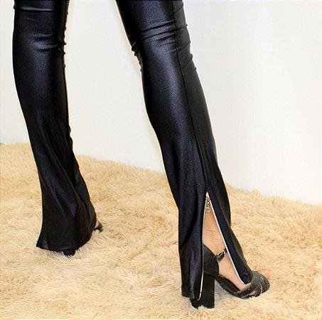 Calça cirrê preta com ziper barra