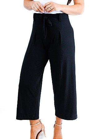 Calça pantacourt preta viscolycra