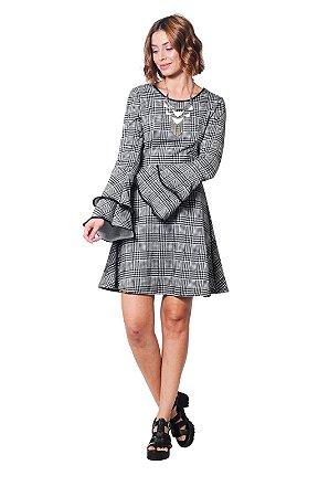 Vestido evasê manga longa jacquard xadrez vichy