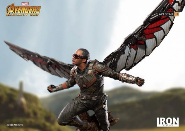 Falcão - Guerra Infinita Escala 1/10 - Iron Studios