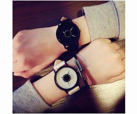 Relógio Design Inovador Pulseira em Couro