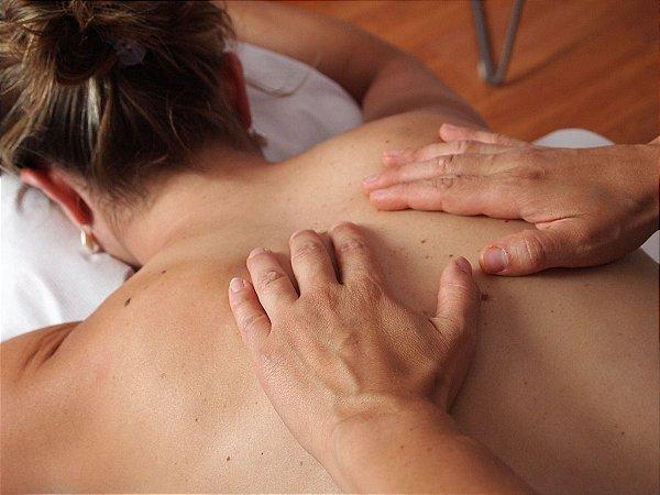 Massagem Relaxante com Aplicação de Reiki
