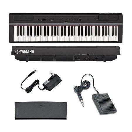 Piano Digital Yamaha P-121B Preto   73 teclas   Pedal   Suporte de partitura