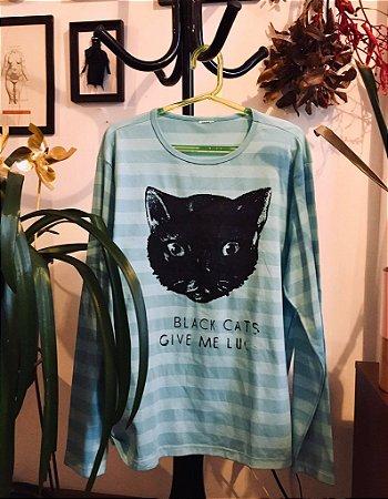 camiseta listrada manga longa black cats give me luck