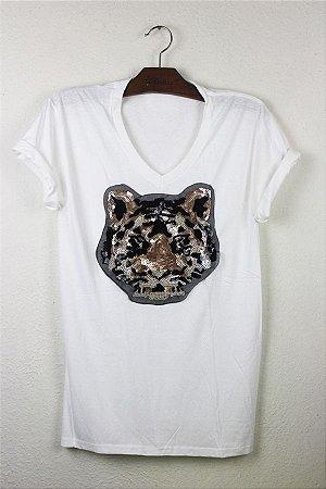 camiseta com aplique tigre