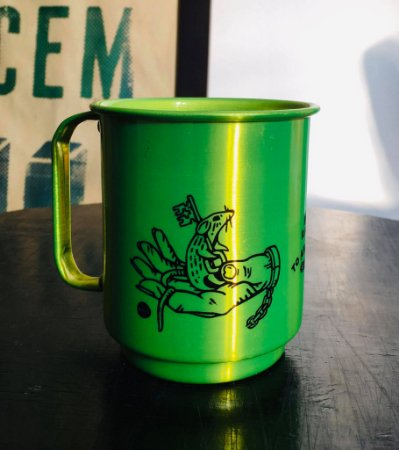 caneca alumínio verde be kind to animals