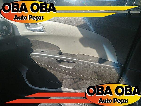 Forro De Porta Dianteira Direita Sonic Sedan Ecotec 1.6 16v Flex 2012/2013