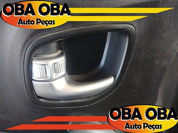 Maçaneta Interna Dianteira Esquerda Renault Sandero Stepway 1.6 16v Flex 2012/2012