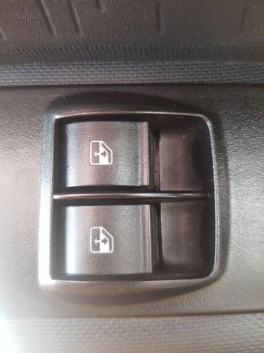 Botão De Vidro Dianteiro Esquerdo Fiat Mobi 1.0 3cflex 18/19