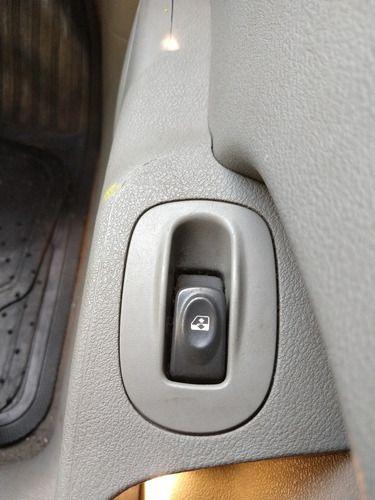 Botão Vidro Diant. Direito Renault Scenic 1.6 16v 04/05