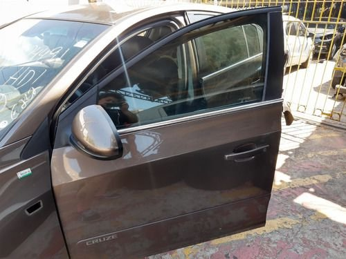 Porta Dianteira Esquerda Chevrolet Cruze Hatch 1.8 15/15 At
