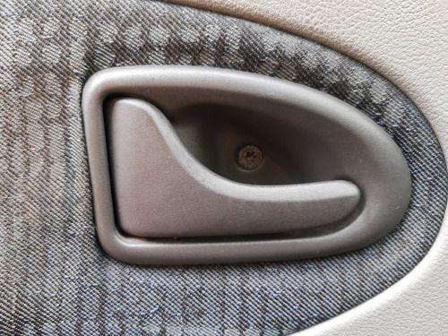 Maçaneta Interna Dianteira Esquerda Renault Scenic 04/05