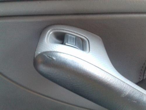 Botão Comando Vidro Tras.direito Honda Civic 1.7 2001 2001