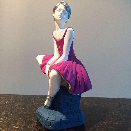 Bailarina Sentada By Thalita Alves
