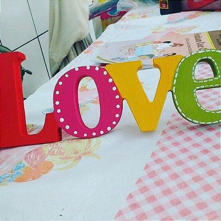 Love em MDF com pintura PVA