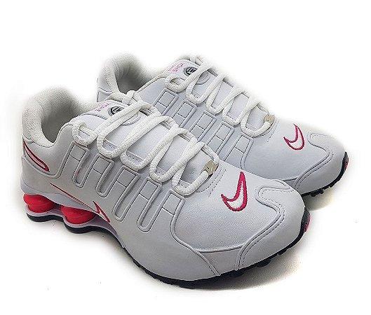 10d611828dc Tênis Nike Shox NZ 4 Molas Feminino - Branco e Rosa - Uai Tênis ...