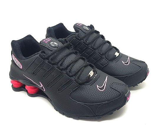 0db4d7a08eb Tênis Nike Shox NZ 4 Molas Feminino - Preto e Rosa - Uai Tênis ...