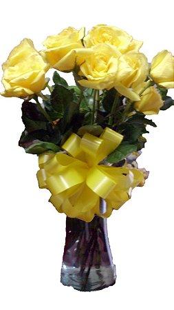 Vaso com 12 rosas amarelas importadas