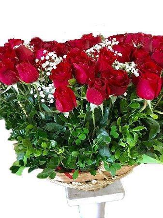 Cesta com 60 Rosas Vermelhas