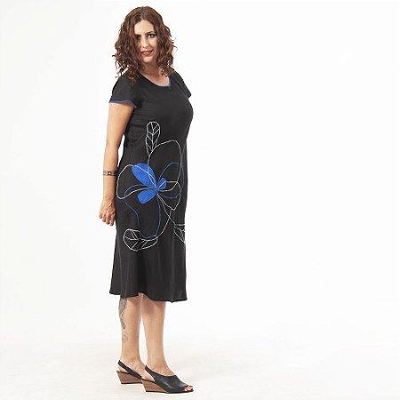 Vestido Plus Size de Linho Midi Preto Bordado Azul