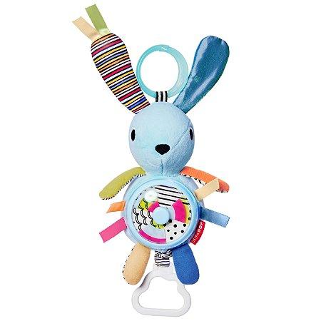 Brinquedo Skip Hop - Linha On-The-Go - Pendure no carrinho do seu bebê - Coelho