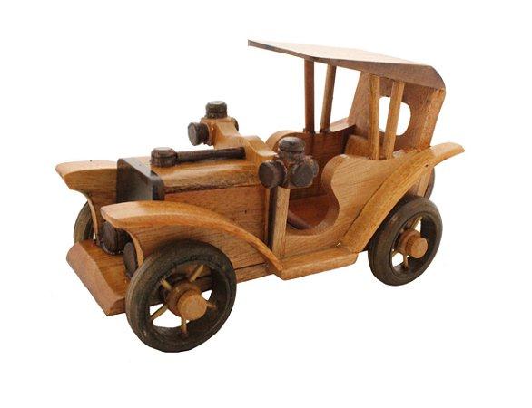 Carro Ford Miniatura Madeira