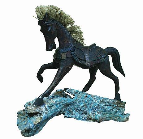 Cavalo Madeira Marrom
