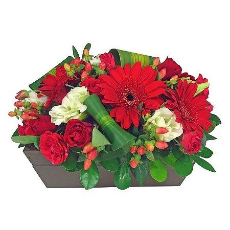 Arranjo de Gerberas e Rosas Vermelhas
