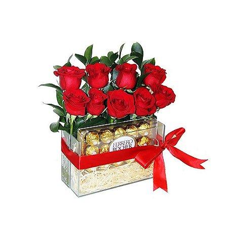 Arranjo de Rosas com Ferrero Rocher Capricho