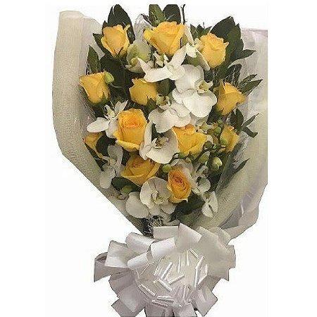 Buque de Orquídea com Rosas