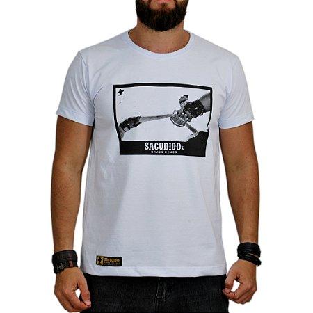 Camiseta Sacudido's Vaquejada - Branco e Preto