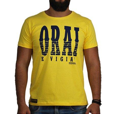 Camiseta Sacudido's Orai e Vigiai Amarela