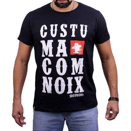 Camiseta Sacudido's - Costuma Com Noix - Preta