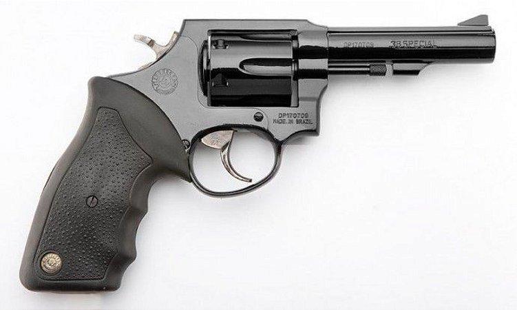 Revólver Taurus 82