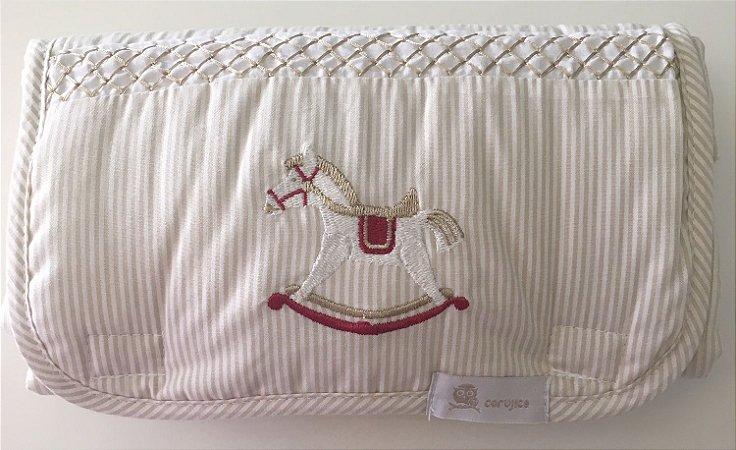 Cavalo de Pau vermelho