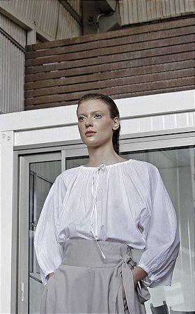 Blusa Corsário em voil de algodão