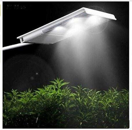 Luminaria solar para jardim com haste 15 LED XLD001