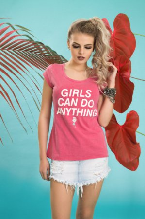 Camiseta Feminina Girls Can Do ESTONADA