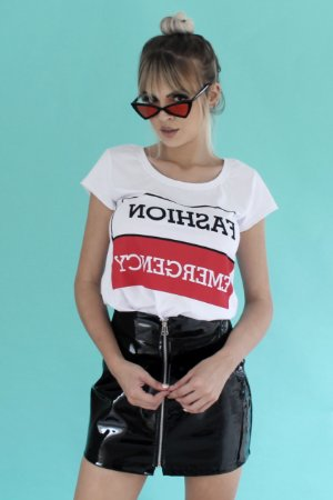 Camiseta Feminina FASHION EMERGENCY